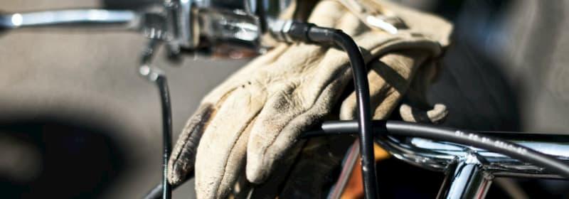 インナグローブを使わない【バイクが下手な人の特徴・バイク初心者あるある】