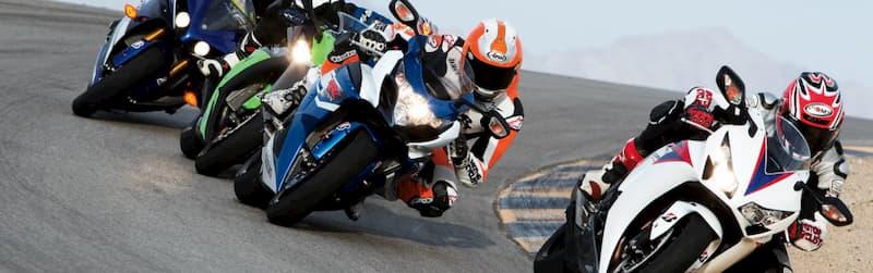 ペースの速いバイクに無理してついていく【バイクが下手な人の特徴・バイク初心者あるある】