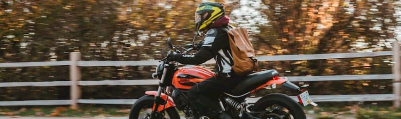 バイク女子がツーリングで長時間バイクに乗る場合