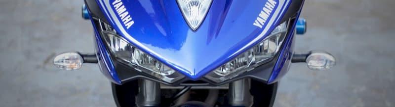 【停止直前】クラッチレバーを握るバイクのニュートラルの入れ方