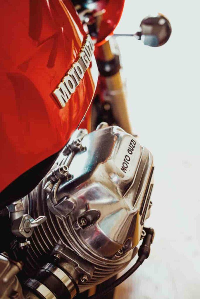 モトグッツイのバイク