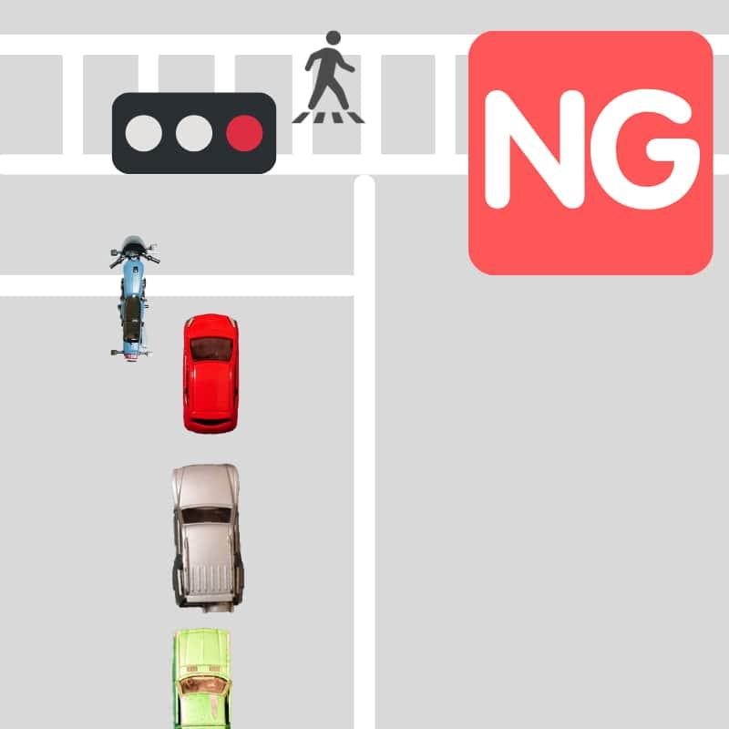 赤信号で停止線を越えるすり抜けは違法
