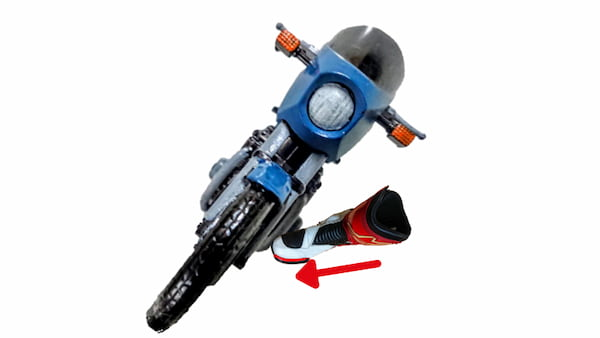 バイクに内足荷重をかけている状態