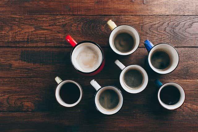美味しいインスタントコーヒーの入れ方よりもマグカップ